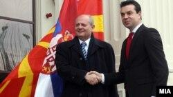 Министерот за надворешни работи Никола Попоски се сретна со српскиот шеф на дипломатијата Иван Мркиќ во Скопје.