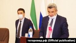 Радик Салихов (сулда) һәм Илсур Һадиуллин