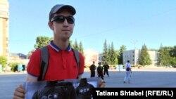 Максим Кормелицкий на пикете в Бердске