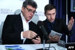 Борис Немцов и Леонид Мартынюк в Вашингтоне на презентации доклада о сочинской Олимпиаде, 30 января 2014 года