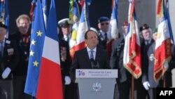 Presidenti i Francës Francois Hollande duke folur në hapje të shënimit të 70 vjetorit të zbarkimit në Normandi