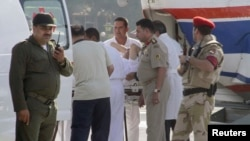 Перевод Мубарака в госпиталь