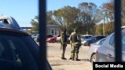 У Сімферополі силовики обшукали будівлю, де раніше розташовувався кримськотатарський телеканал ATR, 2 листопада 2015 року