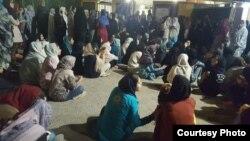 مسئول خوابگاه دختران دانشگاه اهواز٬ معترضان را تهدید به برخورد در «کمیته انضباطی» کرد٬ آغاز شد