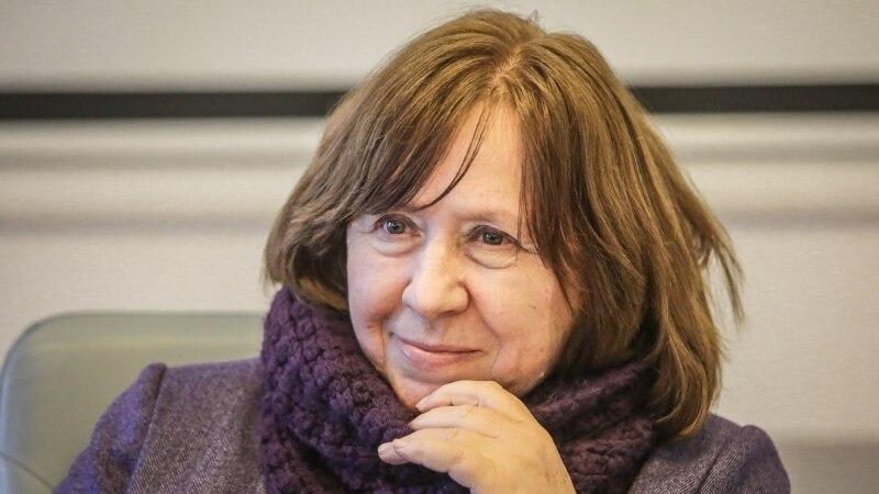 Світлана Алексієвич назвала репресії в Білорусі найбільш самогубним варіантом для влади