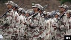 شماری از نیروهای نظامی زبده عراق در آموزشگاه های نظامی بریتانیا در ولز آموزش می بینند