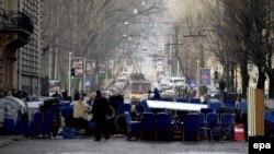 Барикади з меблів на вулиці Львова, 20 лютого 2014 року