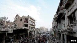 عراق و به ویژه بغداد، به دلیل حملات شورشیان معترض به نیروهای آمریکایی، مدتها است که نا آرام است.