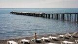 Пляж в Малореченском, иллюстрационное фото