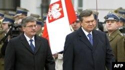 Президент України Віктор Янукович та Президент Польщі Броніслав Коморовський у Варшаві, 3 лютого 2011 року