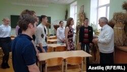 Илдус Фатыхов (у) аспирантлар белән