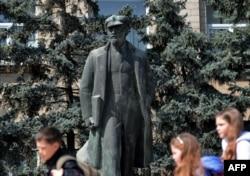 Lenin la Comrat