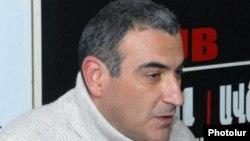 Экономический обозреватель газеты «Айкакан жаманак» Айк Геворкян