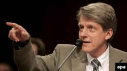 Economist Robert Shiller speaks at a hearing on the mortgage crisis on Capitol Hill in Washington, D.C., in September 2007.