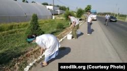 Работники медицинского объединения Джалакудукского района Андижанской области на принудительном хашаре.