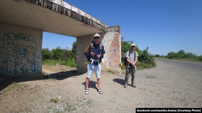 Актор Андрій Бучко (ліворуч) та режисер Сашко Брама (праворуч)