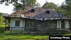 Casa lui George Enescu de la Mihăileni (foto. Raluca Știrbăț)