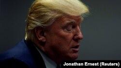 Дональд Трамп адказвае на пытаньні журналістаў у Белам Доме 28 лістапада 2017 году.