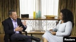 Lance Armstrong në intervistën me moderatoren Oprah Winfrey