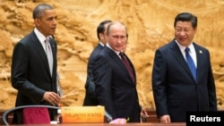 U.S. President Barack Obama (left), Russian President Vladimir Putin (center), and Chinese President Xi Jinping are all attending the APEC summit in Peru.