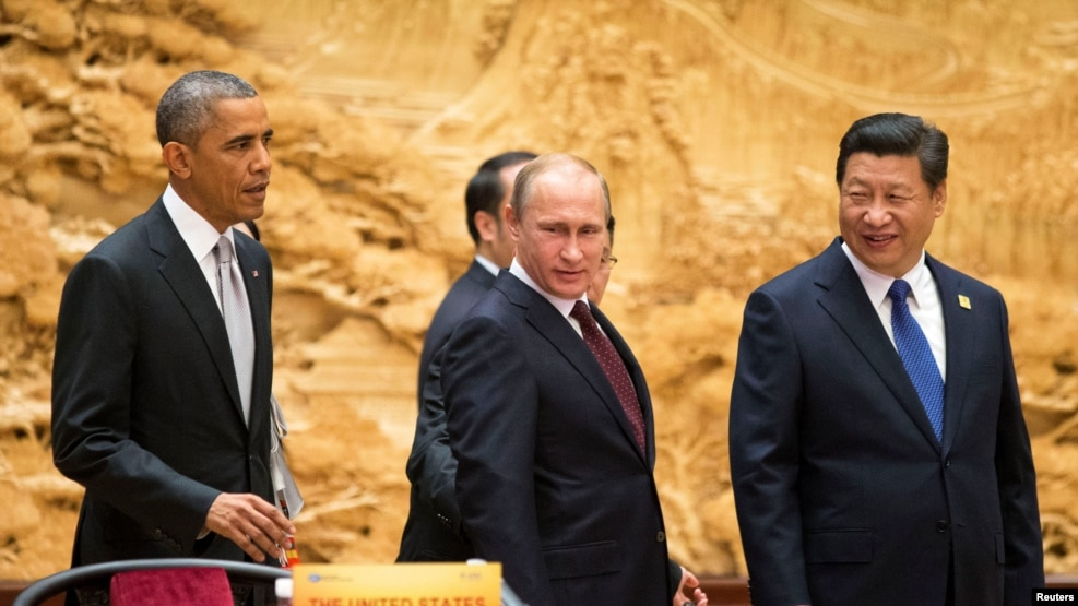 U.S. President Barack Obama (L), Russian President Vladimir Putin (C), and Chinese President Xi Jinping (R) are all attending the APEC summit in Peru.