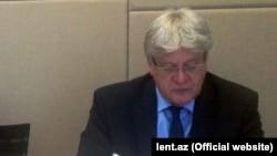Schennach: Političari ne reaguju na ono što se dešava u državi