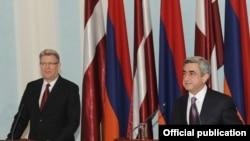 Հայաստանի եւ Լատվիայի նախագահների համատեղ ասուլիսը, Երեւան, 10-ը դեկտեմբերի, 2009