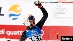 جاکی شمعون، اسکیباز لبنانی.