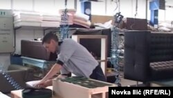 Učenici rade u fabrici nameštaja