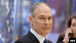 Скотт Прюитт - ведущий оппонент программы администрации Обамы по борьбе с изменениями климата