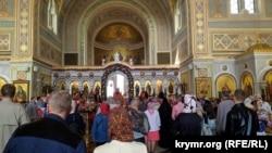 Богослужіння в Свято-Володимирському кафедральному соборі в Херсонесі, архівне фото