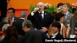 Prezident yalnız əlamətdar tədbirlərdə içməyə tərəfdar olduğunu deyir