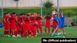 Тренировки сборной Кыргызстана в Узбекистане.