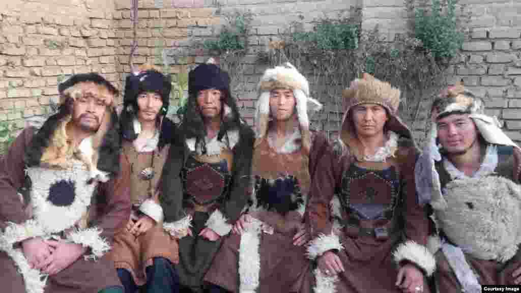 Некоторым из актеров предстоит играть военачальников, оставленных Чингисханом на завоеванных землях.