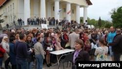 Жители Севастополя протестуют против проекта генерального плана города, 12 мая 2017 года