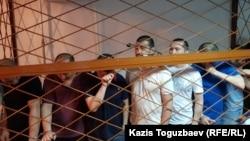 Обвиняемые в «пропаганде терроризма» и «возбуждении розни» на оглашении им приговора. Алматы, 5 августа 2019 года.