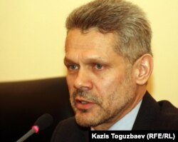Адвокат Виталий Воронов. Алматы, 8 декабря 2011 года.