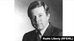 Жин Пелл 1985 йилдан 1992 йилгача Озод Европа-Озодлик радиоси президенти бўлган.