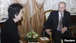 Нино Бурджанадзе на встрече с Владимиром Путиным. 2010 год