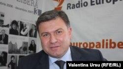 Виктором Кирилэ