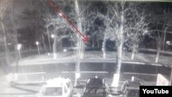 """Момент крушения """"Боинга"""" в аэропорту Ростова-на-Дону, видео с камеры наблюдения"""