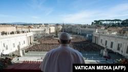 "Vatican - papino obraćnje 25. decembra 2018. sa trga St. Petra u tradicinalnom ""Urbi et Orbi"""