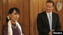 Аун Сан Су Чжи и Дэвид Кэмерон