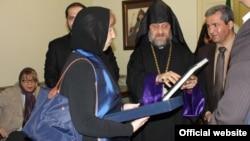 Բարոնուհի Քեթրին Էշթոնը Նոր Ջուղայի հայկական եկեղեցում, 10-ը մարտի, 2014