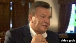 Виктор Янукович BBC-ге сұхбат беріп отыр. Шілде, 2015 жыл.