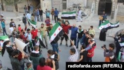 """Демонстрация в Алеппо против окончания """"гуманитерной паузы"""" в прекращении огня"""