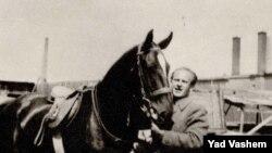 Оскар Шиндлер 1942 йилда тушган сурат.