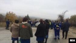 """Архивска фотогарфија.Работниците од """"Фени"""" протестираат против стечај"""