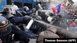 Франциядағы гейлерге қарсы шеру. Париж, 24 наурыз 2013 жыл. (Көрнекі сурет)