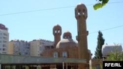 «Əbu-Bəkr» məscidində partlayış 2008-ci ilin avqustun 19-da baş verib. 3 nəfər ölüb, 19 nəfər yaralanıb